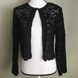 Connected Black Lace Cropped Shawl Top Size S